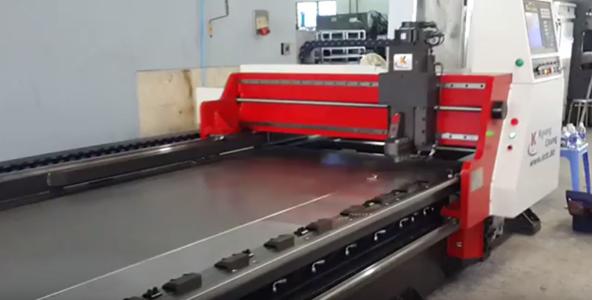 Máy CNC rãnh V ( korea) 3 trục - khổ trung - cho độ chính xác cao