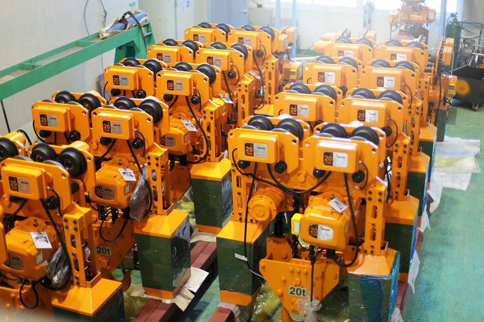 Palang xích điện dầm đơn Hàn Quốc di chuyển qua lại lên xuống 2.5 tấn DSM 2.5S giá rẻ