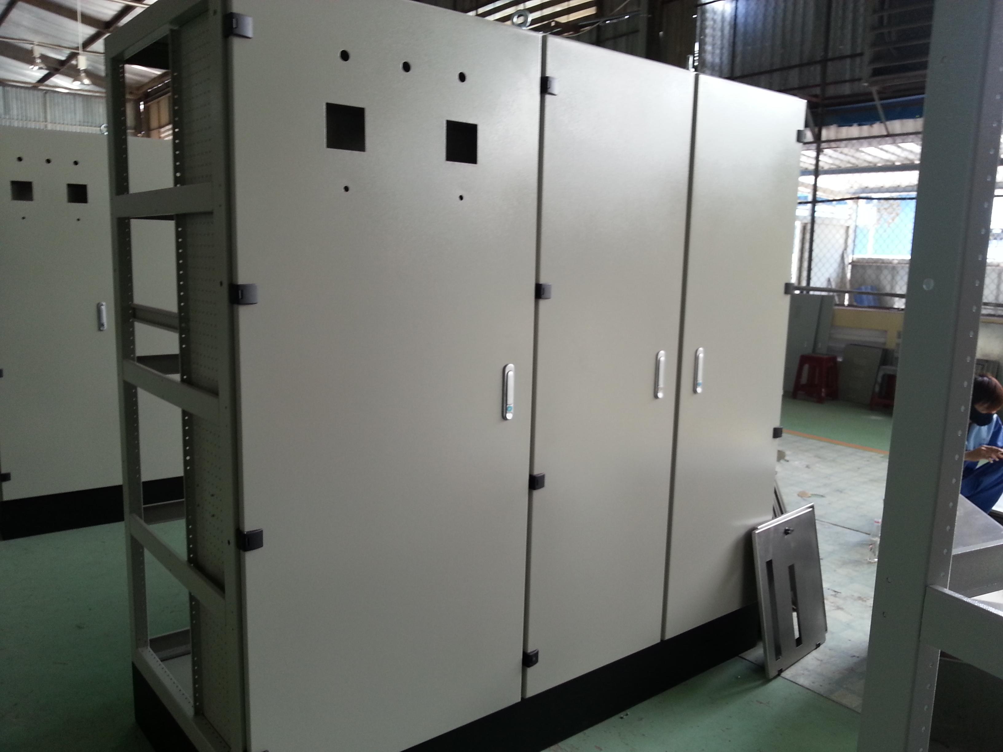 Vỏ tủ điện, vỏ tủ điện điều khiển, vỏ tủ điện ats, báo giá vỏ tủ điện giá rẻ nhất