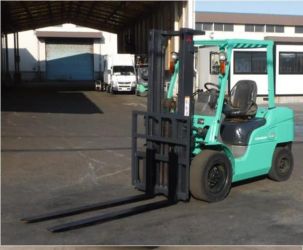 Xe nâng dầu cũ Mitsubishi FD35AT F14E chui Container