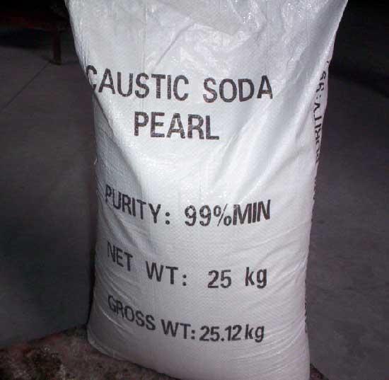 XÚT Caustic soda