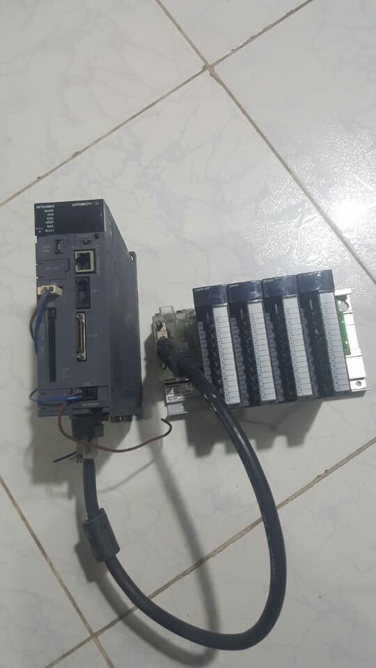 PLC mitsubishi q170mcpu-s1 và module output+ phụ kiện