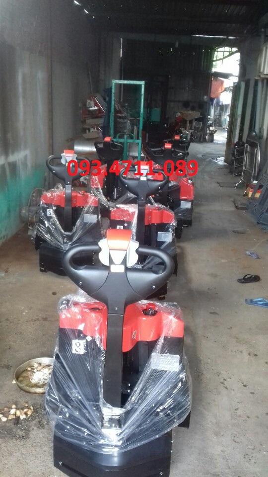 Xe nâng tay thấp chạy điện Hangcha 1500kg nâng cao