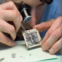 Lưu ý khi sử dụng kính lúp sửa đồng hồ