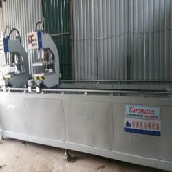 Máy hàn cửa nhựa Euromatec
